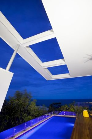 piscine de nuit - Coolum Bays House par Aboda Design Group - Coolum Beach, Australie - photo Paul Smith