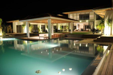 piscine de nuit - Villa Hermitage - Arbonne, France