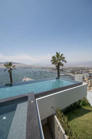 piscine en terrasse & vue panoramique mer - villa contemporaine par Adrián Noboa Arquitecto, Malecon Las Colinas, Pérou