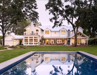 piscine et façade arrière - Transitional Farmhouse Design par Total Design - Calistoga, Californie, Usa