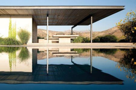 piscine et terrasse - Kübler House par 57STUDIO - Stgo, Chili
