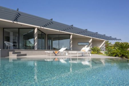 piscine et terrasse - Maison A3 par Vincent Coste - Toulon, France
