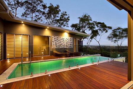 piscine et terrasse - Treetops Residence par Artas Architects & D Pearce Constructions - Toowong, Australie