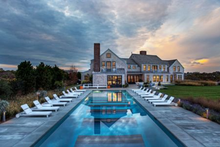 piscine façade - Squam Residence par J. Brown Builders - Nantucket Island, Usa - photo Jeffrey Allen