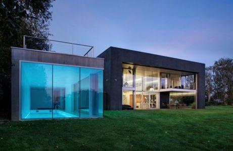 piscine & façade terrasse - safe-house par Robert Konieczny – KWK Promes - Varsovie, Pologne
