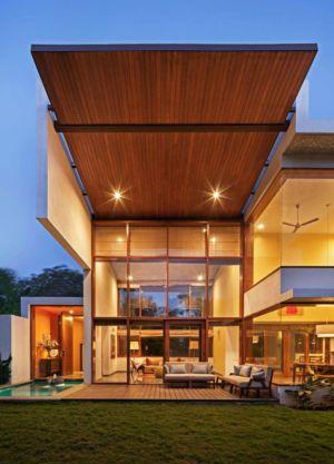 piscine & façade terrasse illuminée - L-Plan-House Klosla Associates - Bangalore, Inde