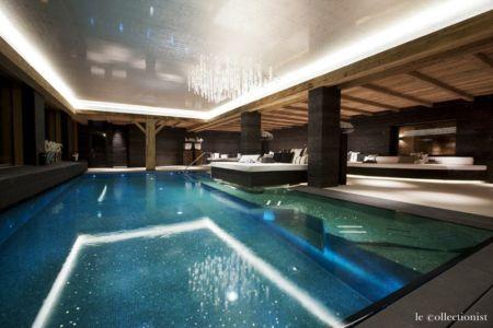 piscine intérieure Chalet Carl à louer à Oberlech en Autriche Le Collectionist | + d'infos