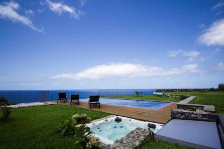 piscine & jakuzzi - Casa do Miradouro par Dirck Mayer - Ponta Delgada, Madère, Portugal