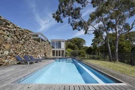 piscine - maison contemporaine en bois par B.E ARCHITECTURE, Flinders, Australie