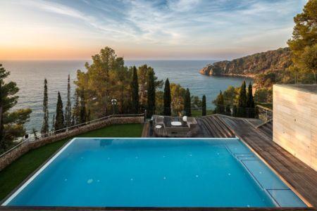 piscine - maison exclusive par Dosarquitectes - Girona, Espagne