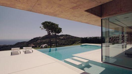 piscine - maison réhabilitée par MANO Arquitectura - Begur Espagne