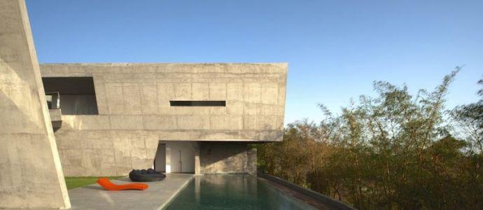 piscine & terrasse salon design - Alibaug-House par Malik Architecture - Maharashtra, Inde