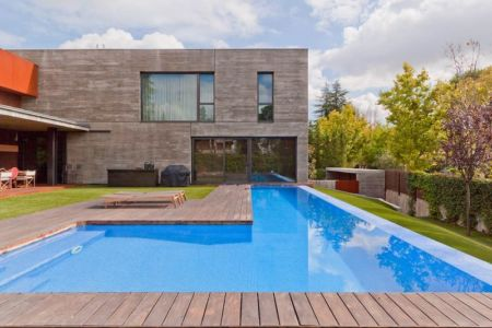 piscine - villa-madrid par Modern Homes - Madrid, Espagne