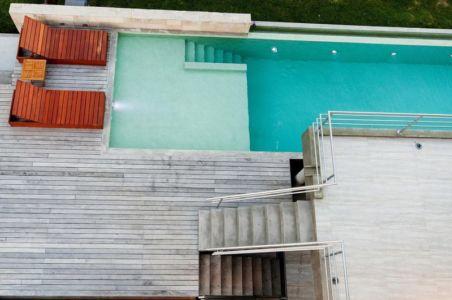 piscine vue d'en haut - Wanka House par Estudio Arquitectura Galera - Cariló, Argentine