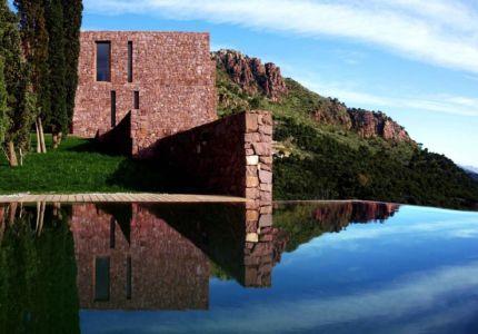 piscine - Paz & Comedias House par Ramon Esteve - Sagunt, Espagne