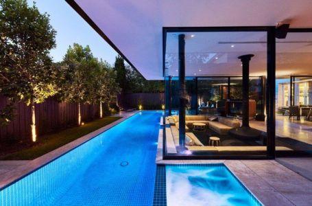 Piscine & Grande Baie Vitrée Coulissante Salon - Sunken-living-room Par OFTB - Brighton, Australie