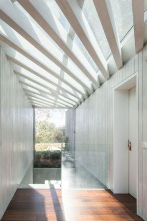 plafond bois vitré - House-four-houses par Prod Architecture - Penafiel, Portugal