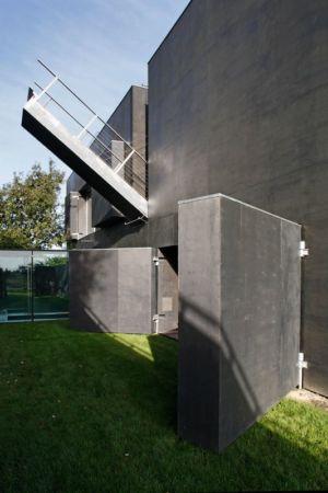 pont levis - safe-house par Robert Konieczny – KWK Promes - Varsovie, Pologne