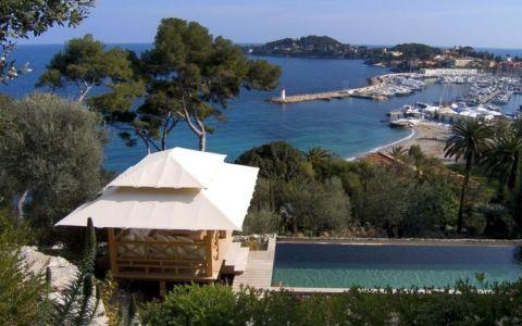 poolhouse et vue sur port - villa O - France