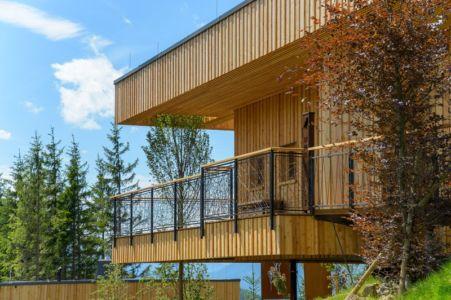 porte à faux - Deluxe Mountain Chalets par Viereck Architects - Styria, Autriche