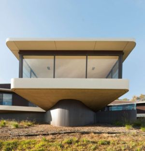 porte à faux - High Country House par Luigi Rosselli Architects - Armidale, Australie