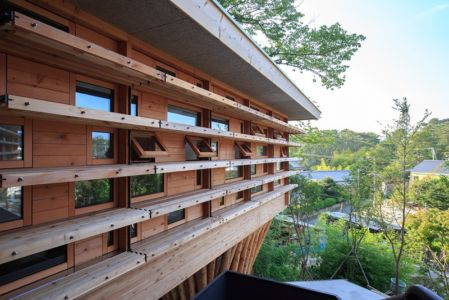 porte à faux - House In Itsuura par Life Style Koubou - Ibaraki Prefecture, Japon