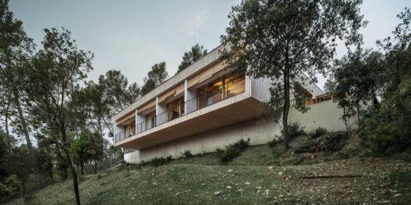 porte à faux - House LLP par Alventosa Morell Arquitectes - Collserola, Espagne