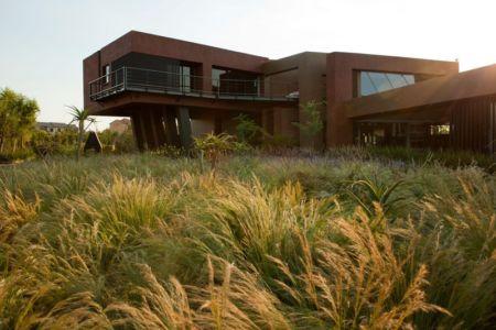 porte à faux - House Tsi par Nico van der Meulen Architects - Afrique du Sud