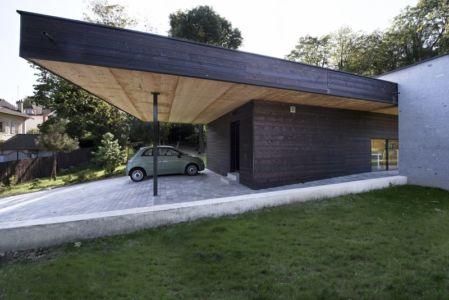 porte à faux garage - War house par A+B architectes - Montmorency, France
