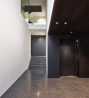 porte ascenseur - House-GT par Archinauten - Linz, Autriche