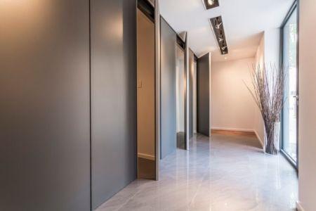 portes et rangements couloir - Résidence Waverly par MU Architecture - Montréal, Canada