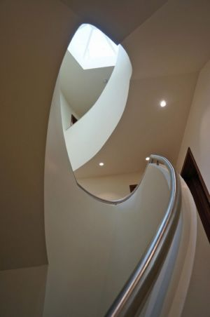 rampe escalier - Ventura House par David James Architectes - Dorset, Royaume-Uni