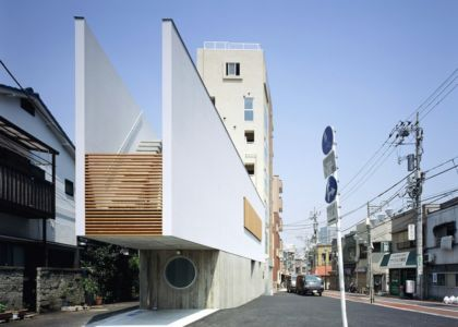 restaurant-and-residence par Apollo-Architects - Tokyo, Japon