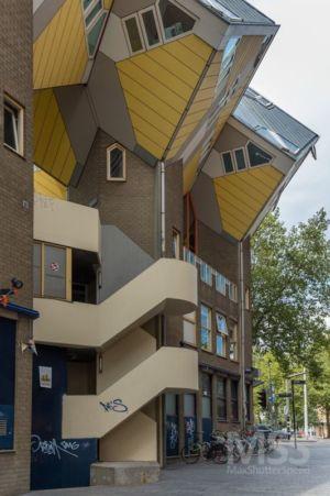 rez de chaussée & parking vélos - Cube-houses par Piet Blom - Rotterdam, Pays-Bas