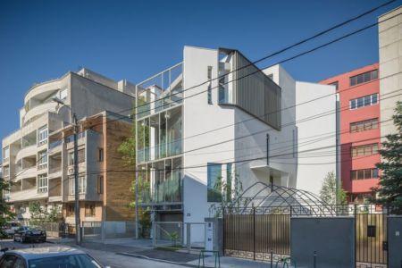 route accès - Urban-Eco-House par Tecon Architects - Bucuresti Roumanie