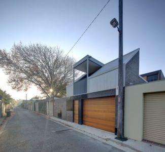 façade rue avec garage - spiegel-haus par Carterwilliamson Architectes - Sydney, Australie
