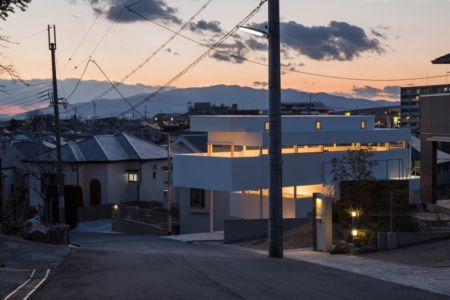 route principale accès - House-Toyonaka par Tato Architects - Toyonaka, Japon