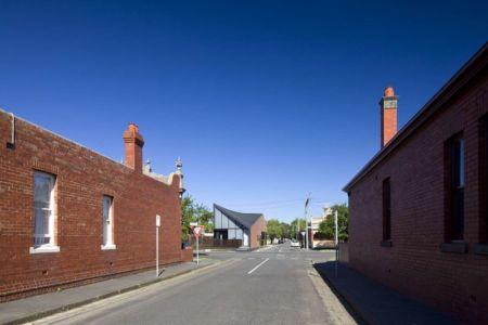 route principale accès - harold-residence par Jackson Clements Burrows - Melbourne, Australie