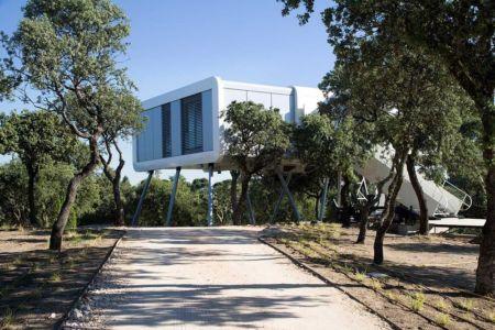 rue accès - Spaceship Home par Noem Spaceship - Madrid, Espagne