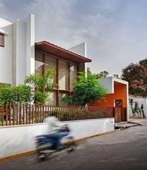 rue principale accès - L-Plan-House Klosla Associates - Bangalore, Inde
