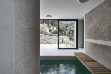 ruisseau d'eau intérieur - Villa-La-Madone par A2cm - France