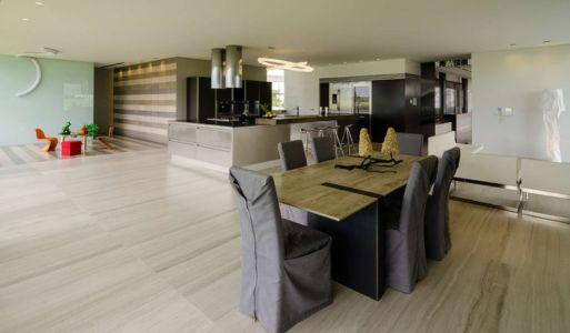 séjou et cuisine - JRB House par Reims Arquitectura - Santa Domingo, Mexique