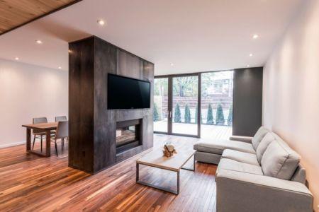 séjour cheminée et salon - Résidence Waverly par MU Architecture - Montréal, Canada