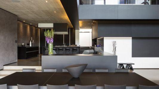 séjour & cuisine - Kloof-Road-House par Nico van der Meulen Architects - Johannesburg, Afrique du Sud