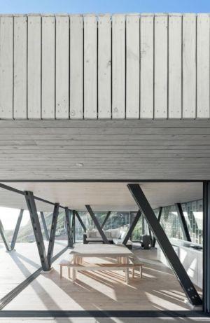 séjour cuisine - Rambla House par LAND Arquitectos - Zapallar, Chili