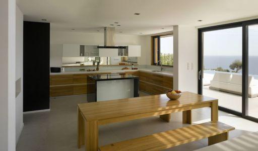 séjour & cuisine - Villa-Brash par Jak Studio - Saint-Tropez, France