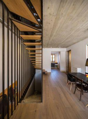 séjour & escalier - LAMA-House par LAMA Arhitectura - Bucarest, Roumanie