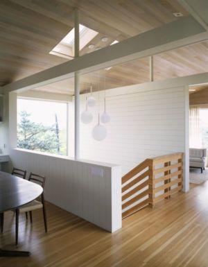 séjour & escalier accès étage - Fire-Island-House par John Butterworth - New-York, USA