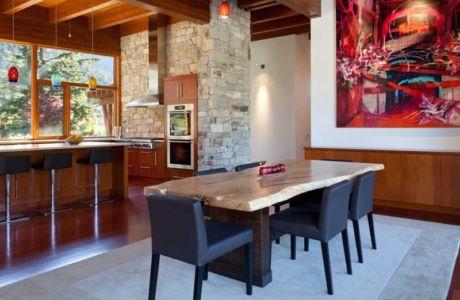 séjour et cuisine - Lakecrest Residence by aka Architecture + Design - Whistler, Canada