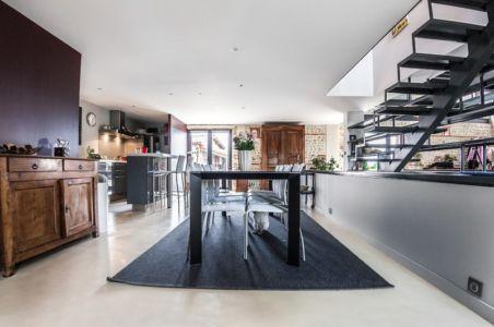 séjour et cuisine - Maison Mazeres par Hugues Tournier - Mazères (09), France